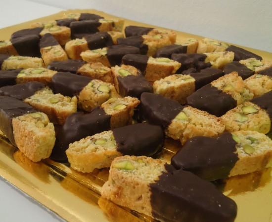 carquinyolis de fastucs amb xocolata