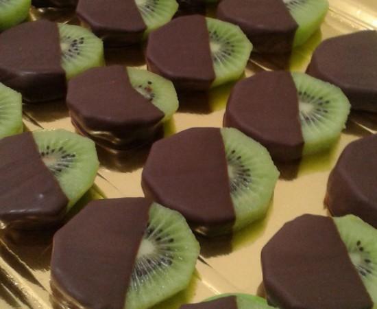 catering fruita kiwi amb xocolata